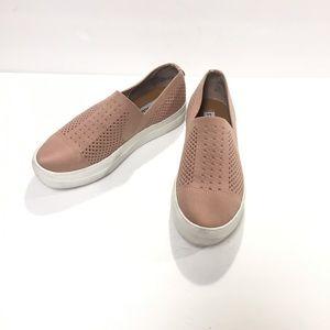 Steve Madden Gernade Fabric Pink Slip On Size 7
